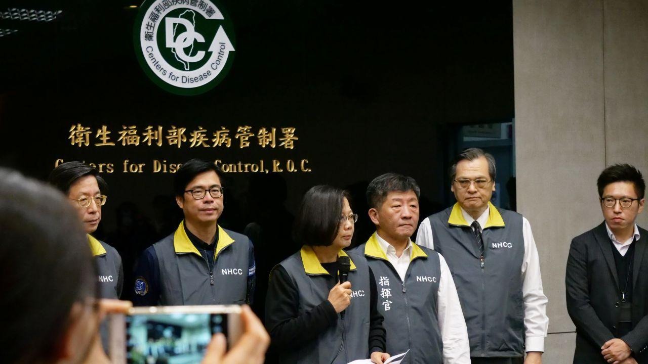 台湾総統蔡英文が記者会見でコロナウイルス事情を語る(提供:ロイター/アフロ)