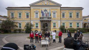 中国の医療支援隊とイタリアの専門家がローマの病院での記者会見