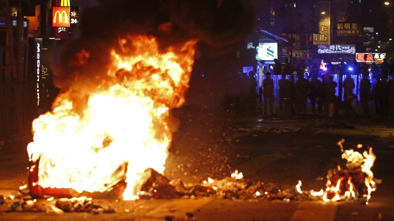 再燃するか香港デモ(提供:AP/アフロ)