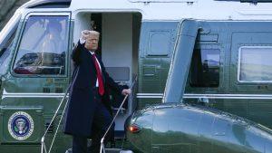 バイデン米新大統領就任式 トランプ氏、ホワイトハウスに別れ(写真:AP/アフロ)