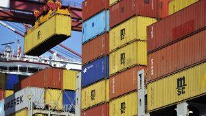 激増する米中貿易(写真:AP/アフロ)