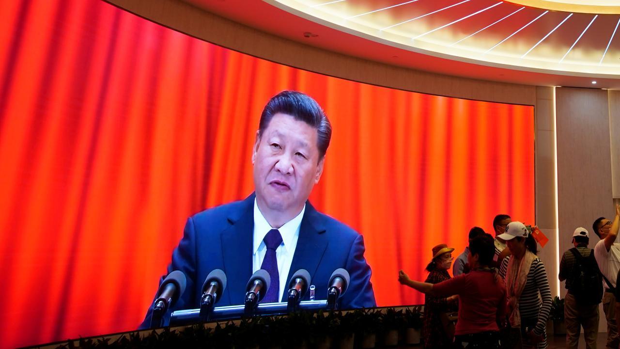7月1日には建党百周年を迎える中共中央総書記・習近平(写真:ロイター/アフロ)