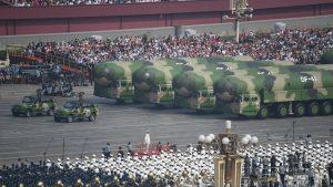 中国の新型ICBM「東風41」(写真:新華社/アフロ)