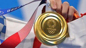 TOKYO2020の金メダル(写真:ロイター/アフロ)
